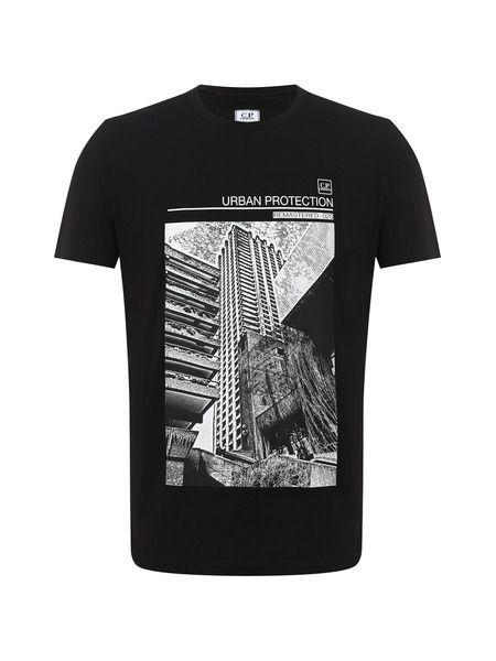 Черная футболка с принтом на груди C.P. Company, фото