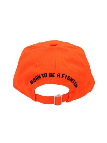 Оранжевая кепка с нашивкой-логотипом