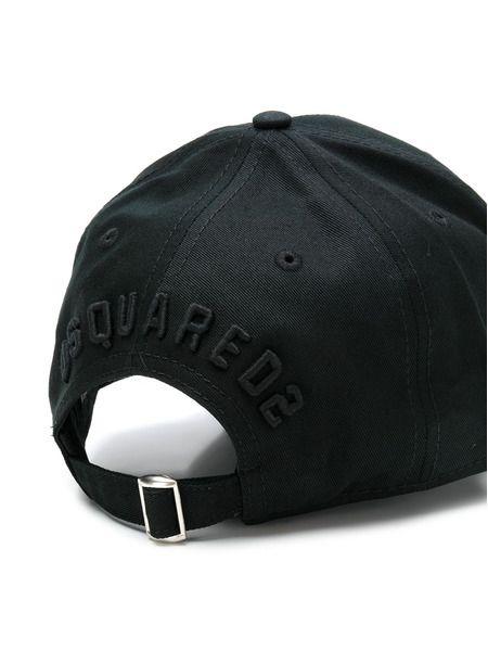Черная бейсболка с вышивкой Icon