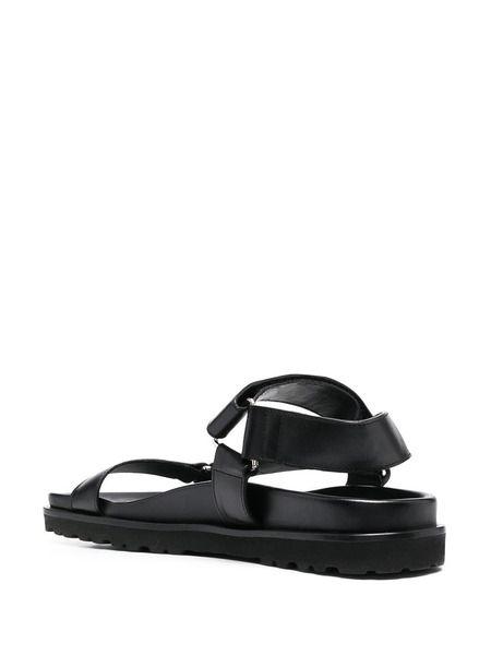 Черные сандалии с ремешками