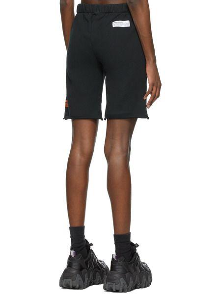 Черные спортивные шорты с логотипом