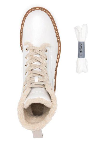 Белые ботинки с меховой подкладкой
