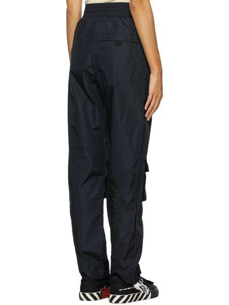 Черные брюки с нашивкой-логотипом