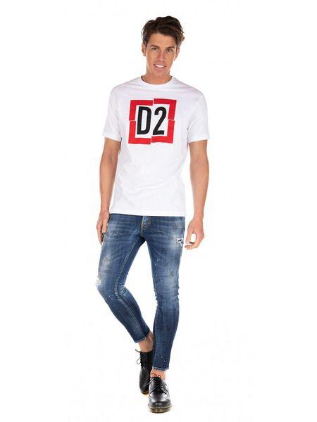 Белая футболка с логотипом D2