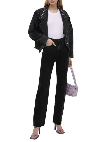 Черная джинсовая куртка с заклепками