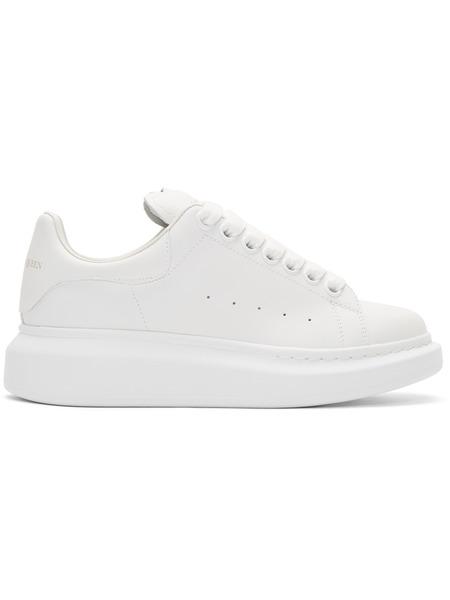 Белые кроссовки Alexander McQueen на массивной подошве Alexander McQueen фото