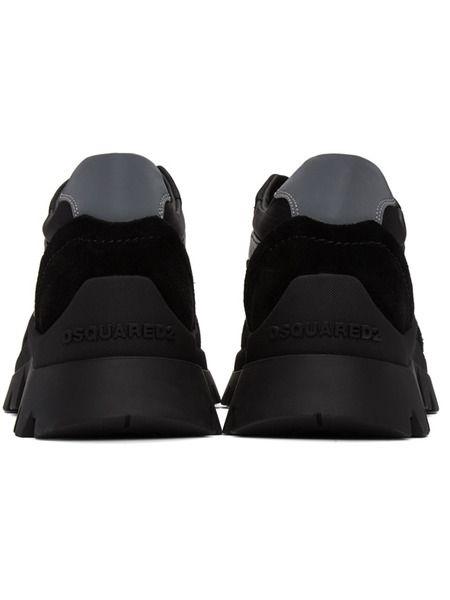 Черные кроссовки на тракторной подошве