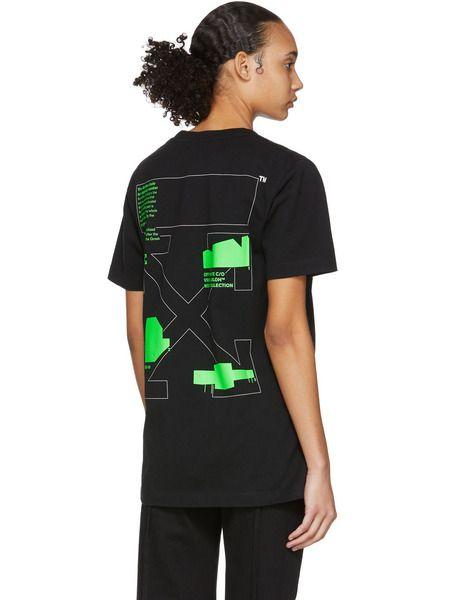 Черная футболка с зеленым принтом