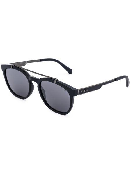Солнцезащитные очки в черной оправе GU6907 90C