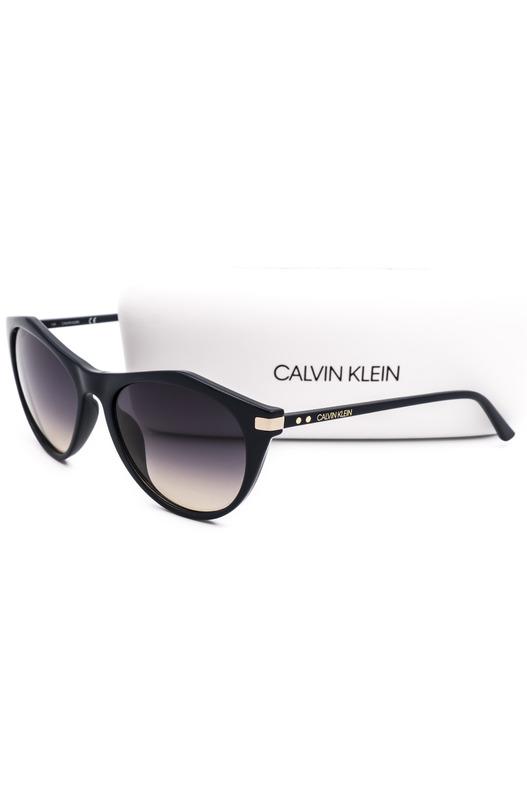 Солнцезащитные очки в толстой оправе CK18536S 410 Calvin Klein