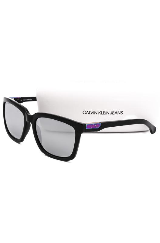 Солнцезащитные очки в толстой оправе CKJ750S 001 Calvin Klein Jeans