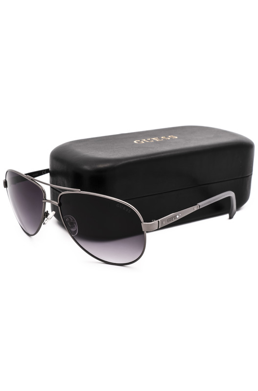Солнцезащитные очки в тонкой оправе GU6829 J45 Guess